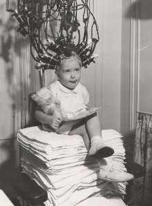 1930_girl_perm_machine